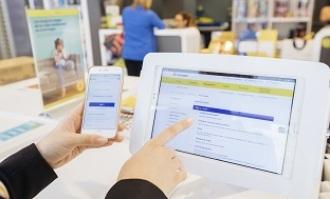 Oficina multiservicio: cómo comprar un billete y contratar el gas al mismo tiempo