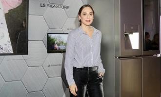 Tamara Falcó protagoniza 'Dreams', su primera exposición fotográfica junto a LG Signature