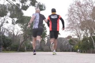 Cuando no ver no es un obstáculo para hacer 18 maratones