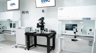 Clínicas Eva presenta un laboratorio transparente de última generación