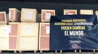 La satisfacción de comprar y traer 150 toneladas de material sanitario a España