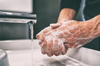 Lavarse las manos, ¿ayuda a evitar contagios?
