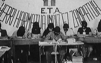 Las lágrimas del director ante los testimonios de El Desafío: ETA