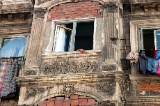 Fachada de una casa en Tarlabasi, Estambul. Foto: Ilya U. Topper. 2010