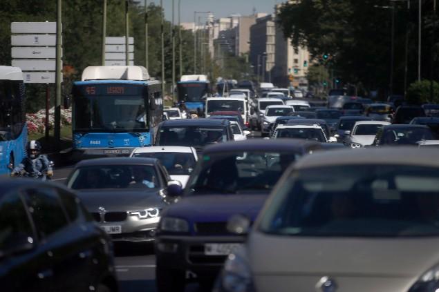 Atasco en Paseo de Recoletos, Madrid (Javier Barbancho)