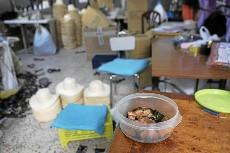 Comida china en un taller