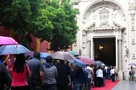 Paraguas en San Lorenzo. Foto: Jesús Morón