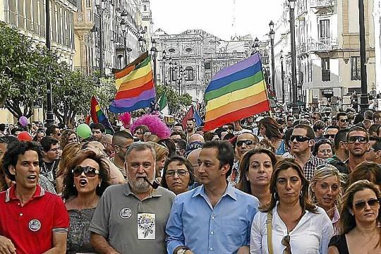 Los 5 secretos del cruising gay en Sevilla que van a calentar tu fin de semana