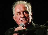Johnny Cash, en una actuación en 2002. (AP)