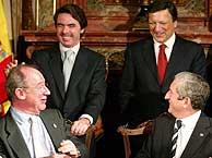 Aznar y Durao Barroso, con Rato y Tavares. (EFE)
