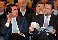 José María Aznar y Mariano Rajoy, durante la Convención Nacional del PP. (D. Sinova)