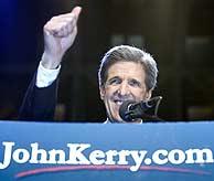 John Kerry, exultante tras conocer su victoria. (AFP)