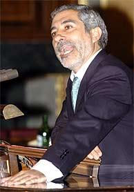 El coordinador general de IU, Gaspar Llamazares. (EFE)