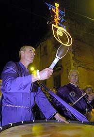 Los tambores de Calanda, en Figueres. (EFE)