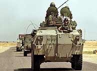 Tropas españolas camino de Kuwait. (AP)