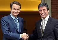 Rodríguez Zapatero y Anders Fogh Rasmussen. (EFE)