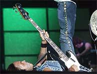 Lenny Kravitz, en un momento de su actuación. (K. Para)