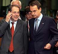 Zapatero y Solana al inicio de la cumbre. (EFE)