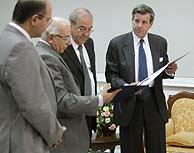 Imagen de la ceremonia de traspaso de poder. (REUTERS)