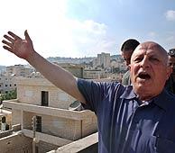El primer ministro palestino, Abú Alá, celebra el fallo de la Corte. (AFP)