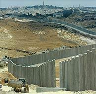 Imagen del polémico Muro de Cisjordania. (AFP)