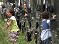 Tropas francesas en Mitrovica. (REUTERS)
