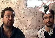 Christian Chesnot y Georges Malbrunot, en el último mensaje emitido por Al Yazira. (AFP)