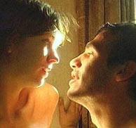 La debutante Margot Stilley y el británico Kieran O'Brien, protagonistas de 'Nueve canciones'.