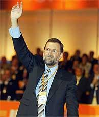 Rajoy saluda en el XV Congreso del PP. (Alberto Cuéllar) VEA MÁS IMÁGENES.