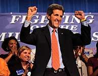 John Kerry al terminar uno de sus mítines. (AFP)