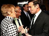 F. de la Vega y Pedro J. Ramírez, en la entrega de premios Periodistas de EL MUNDO. (Foto: EFE)