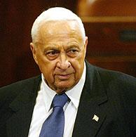 Ariel Sharon durante la sesión parlamentaria. (AP)
