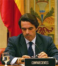 Aznar ha comparecido ante la comisión durante casi 11 horas. (Foto: AFP)