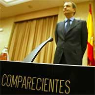 José Luis Rodríguez Zapatero, antes de comenzar su comparecencia ante la comisión del 11-M. (Foto: Alberto Cuéllar)