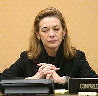 Pilar Manjón, en la Comisión. (Foto: REUTERS)