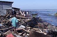Las playas de Colombo, anegadas. (foto: AFP)