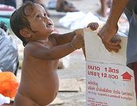 Una niña tailandesa rescatada en la población de Takua Pa (APF).