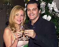 Ana Obregon y Ramon García dan las campanadas en TVE (Foto: TVE)