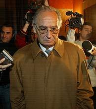 El ex juez Estevill tras la lectura de la sentencia. (Foto: Antonio Moreno)