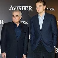 Scorsese y DiCaprio, en la presentación de 'El aviador'. (Foto: Alberto Cuéllar)
