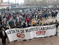 Manifestación sindical por los fallecidos en Burgos. (Toño Gallego)