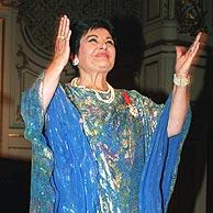 Victoria de los Ángeles, tras una actuación en París, en 1994. (AFP)