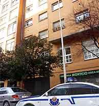 Imagen del exterior del inmueble donde se produjo el asesinato. (Foto: EFE)