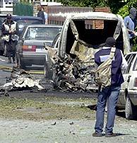 Imagen de un atentado producido el 20 de abril de 2002 en Getxo. (Foto: Pablo Viñas)