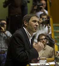 Arnaldo Otegi, el día de la votación del Plan Ibarretxe en el Parlamento vasco. (Foto: Iñaki Andrés)