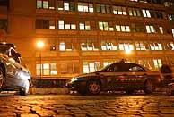 La policía custodia el hospital donde está ingresado el Papa. (Foto: EFE)