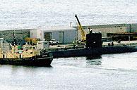 El submarino británico en el puerto de Gibraltar. (Foto: REUTERS)