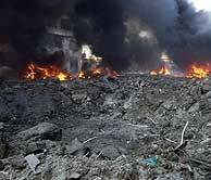 El atentado en Beirut ha causado un espectacular socavón. (Foto: AP)