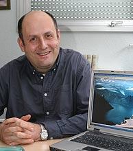Antoni Rosell, en su despacho. (Foto: Jordi Pareto)