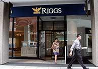 Imagen de archivo de una sucursal del banco Riggs. (Foto: EFE)